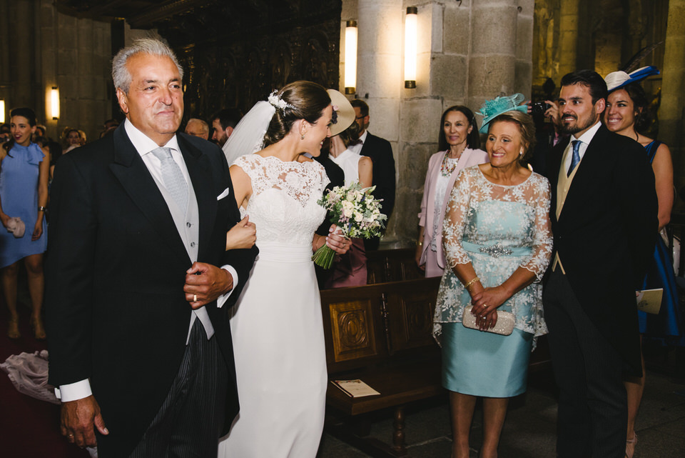 boda tui galicia pontevedra catedral ikfem andrea daniel piano celebracion novios milena martinez fotografa fotografia reportaje