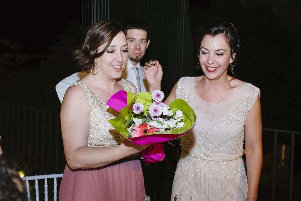 Boda sesion fotografia fotografa milena martinez finca quimera madrid wedding bodas naturales documental espontáneas color original chinchón ramo