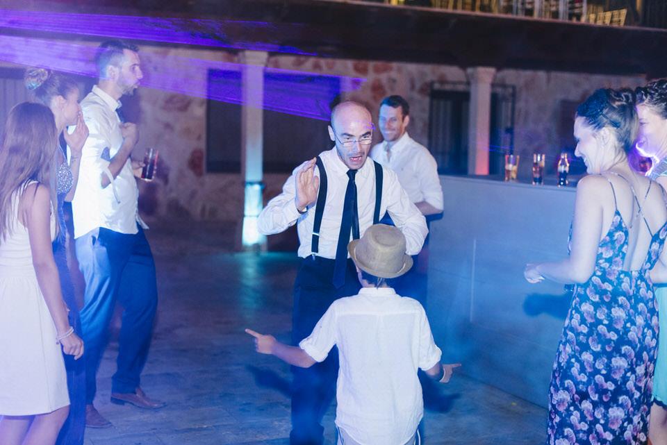Boda sesion fotografia fotografa milena martinez finca quimera madrid wedding bodas naturales documental espontáneas color original chinchón dj