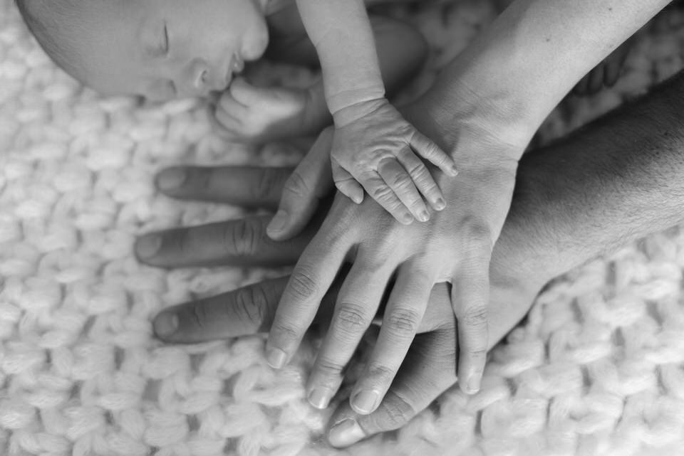 sesion fotografia embarazo madrid recién nacido new born fotógrafa milena martinez jorge prematuro bebé baby pregnant mamá madre maternidad embarazada