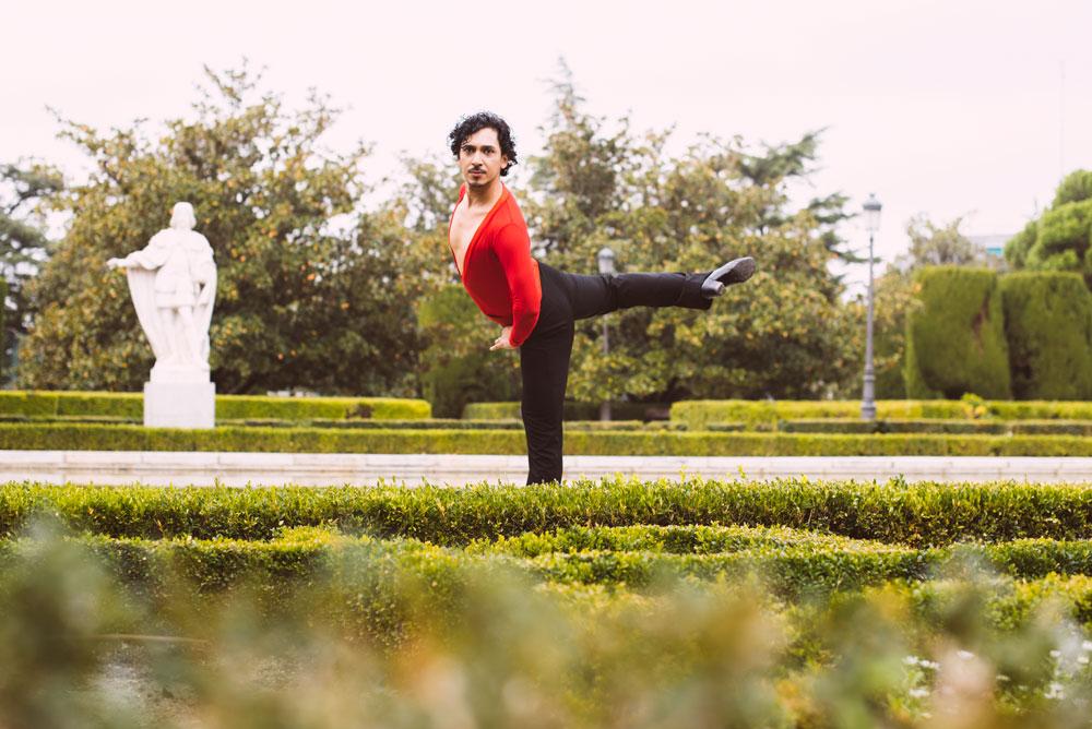 sesion fotografia moda diferente bailarin richard quintana exteriores milena martinez fotografia danza postura